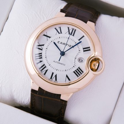 Ballon Bleu de Cartier W6900651 grande réplique montre en or rose 18 carats